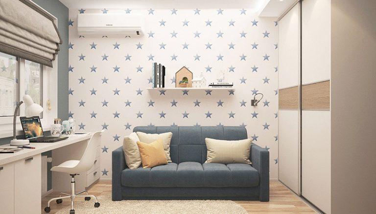 Kleines Sofa und Schreibtisch im Jugendzimmer